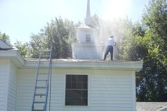 Roof cleaning company serving NH and MA